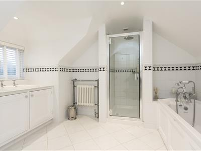 En-suite Bath/Shower